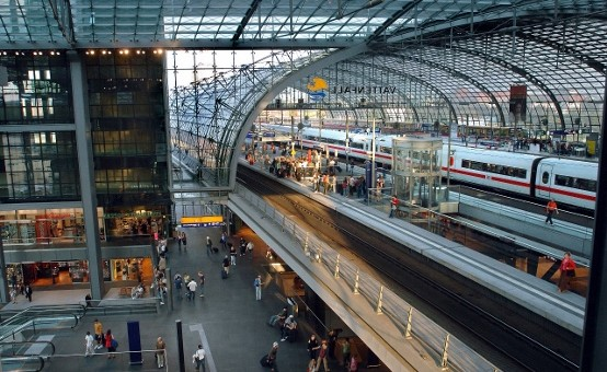 Duitsland onderzoekt gezichtsherkenning op treinstations